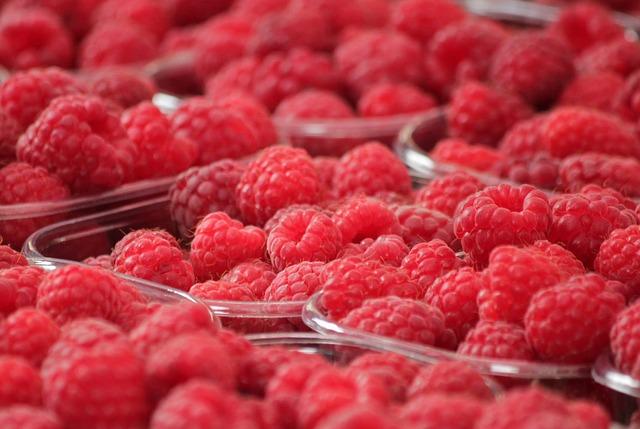 raspberries-378259_640