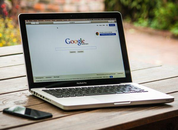 участников Google Assistant Search Console PageSpeed Insights UC Browser Google One Федеральное агентство новостей Gmail Google Google Chrome Google AdSense Google Play Google Мой Бизнес Google Фото Google Ads