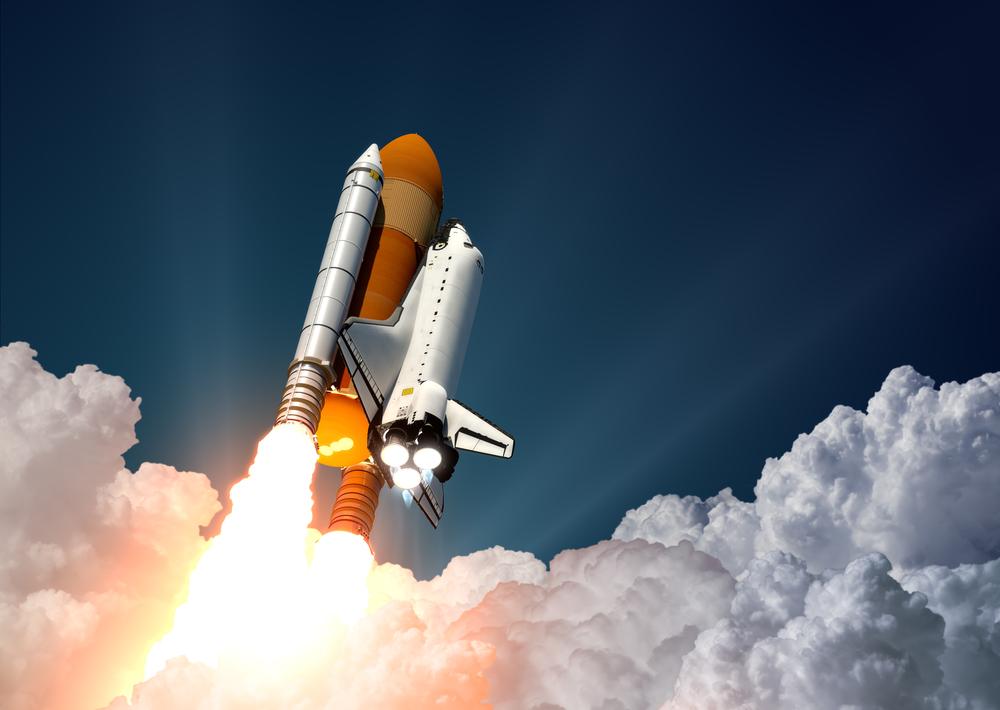 космический корабль запуск шаттла фото