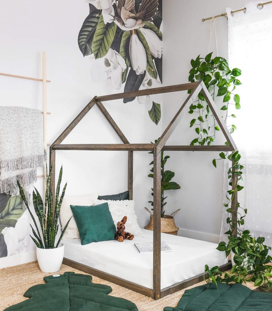 Canopy-Bed-Frame